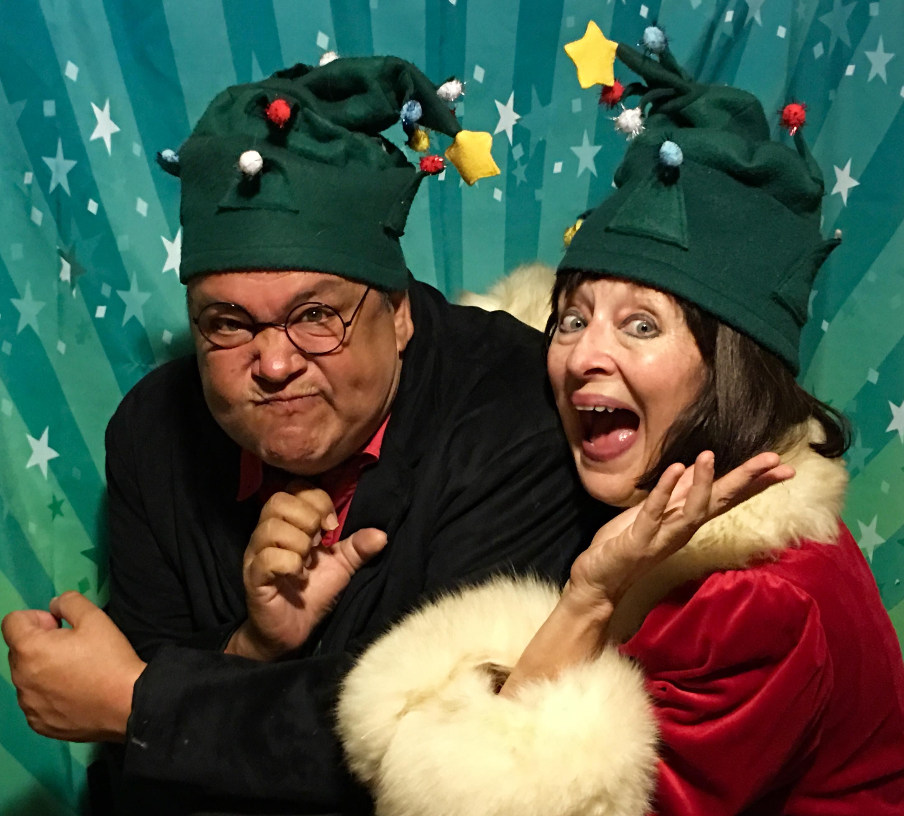"Philipp Blue Owl Hooser & Jeanne Beechwood in ""A Christmas Bette""(c)"